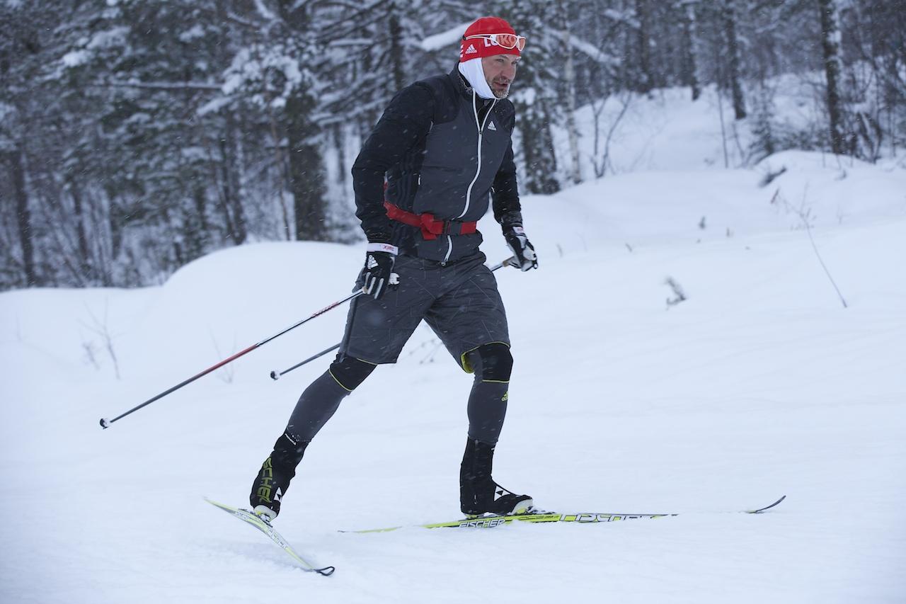 С сосульками на бороде выезжает из снежного облака Алексей Петухов!